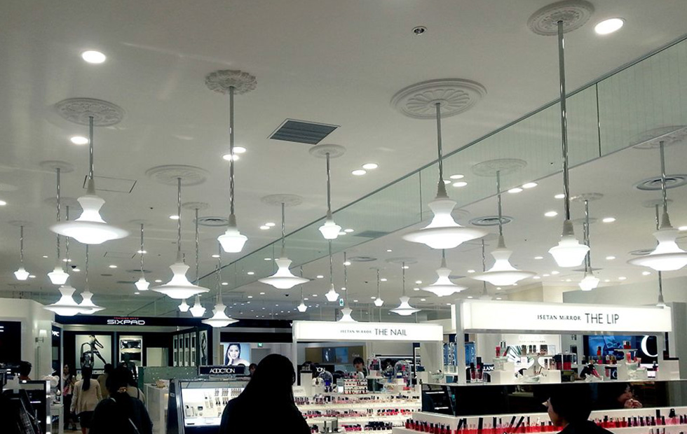 How to Use Contemporary Pendant Lights in Inspiring Retail Spaces