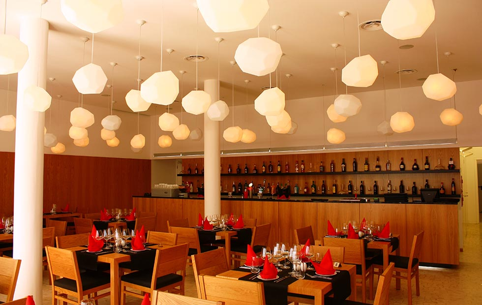 Asteroid Plastic in Maze Restaurant, Pendants lighting, Innermost