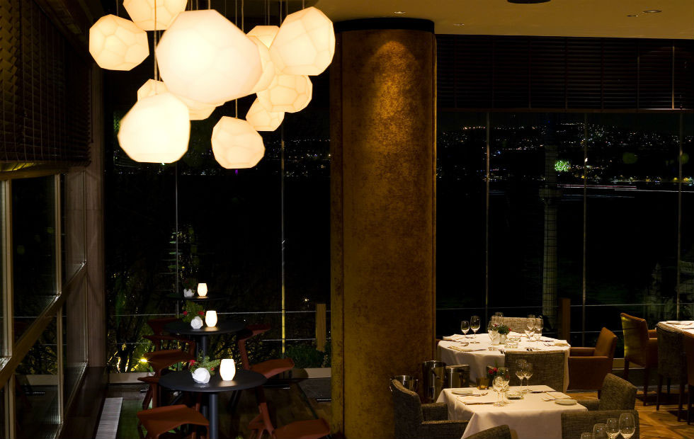 Asteroid Plastic in Topaz Restaurant, Istanbul, Pendants Light