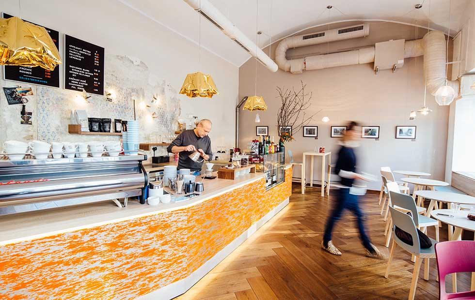 Slider Dent Gold at the Balthasar Kaffee Bar in Vienna, Austria