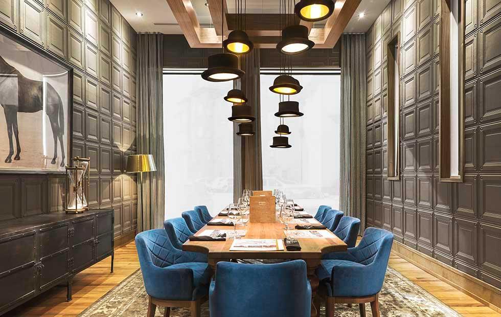 Slider Jeeves Wooster, Chop Steakhouse & Bar Restaurant