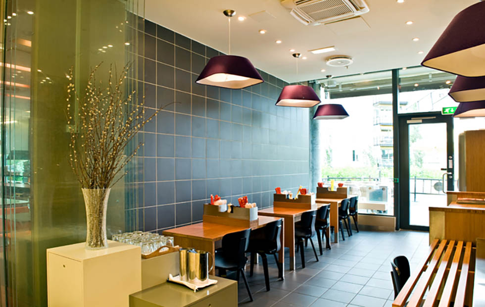 Slider RD2SQ Floor Lamp at Bambus Restaurant, Norway