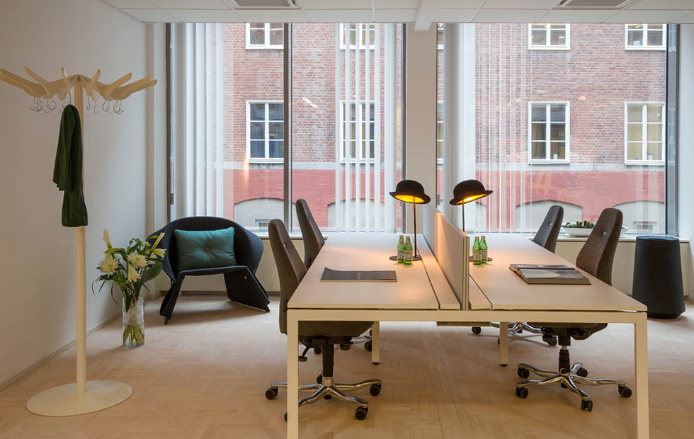 Slider Jeeves Table at Show Office by Diligentia and Kinnarps Stockholm