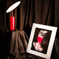 parasol red with picture frame